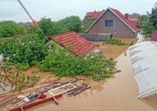 Obrenovac Serbien - Maj 16, 2014 floder royaltyfria foton