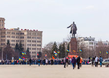 Obrońcy Lenin zabytek w Kharkov Obrazy Stock