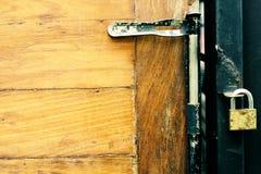 Obruszenia drewniany drzwiowy tło Fotografia Royalty Free