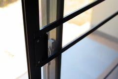 Obruszenie komara drucianego ekranu stali sieci drzwiowa ochrona zdjęcia stock