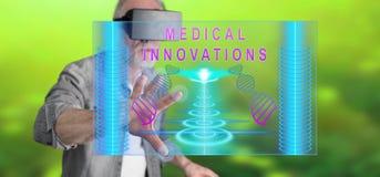 Obsługuje być ubranym rzeczywistości wirtualną słuchawki dotyka medycznego innowaci pojęcie na dotyka ekranie Obraz Stock