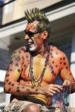 Obsługuje jazdę na pławiku w Provincetown Karnawałowej paradzie Zdjęcia Stock