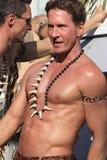 Obsługuje jazdę na pławiku w Provincetown Karnawałowej paradzie Zdjęcie Royalty Free