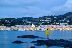 Obsługuje patrzeć małą wioskę Portowy De Los angeles Selva obrazy stock