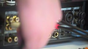 Obsługuje rękę czopuje w dj audio miesza pracownianym wyposażeniu Zakończenie w górę różnego colour czopuje dla źródło zasilania zbiory wideo
