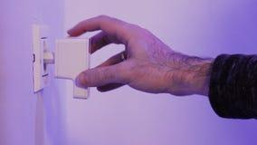 Obsługuje wszywki WiFi donosicielkę w elektryczną nasadkę na ścianie zbiory wideo