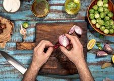 Obsługuje kulinarnego zdrowego jedzenie Brussels flance na drewnianym stole Fotografia Stock
