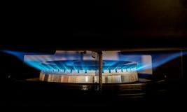A obscuridade - potenciômetro cinzento no hob do gás Foto de Stock Royalty Free