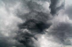 Obscurité de ciel nuageux solide Photographie stock libre de droits
