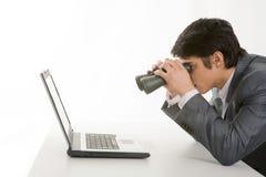 Observação no portátil imagem de stock