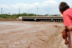 Observación de la inundación Fotos de archivo libres de regalías