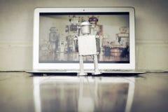Observación de los robots Fotografía de archivo libre de regalías