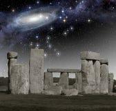 Observación del espacio profundo en Stonehenge foto de archivo libre de regalías