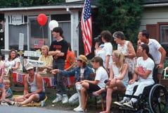 Observateurs au 4ème du défilé de juillet Image libre de droits