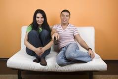 observation des couples TV Photos stock