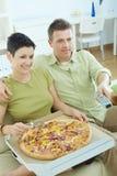 observation des couples TV Images stock