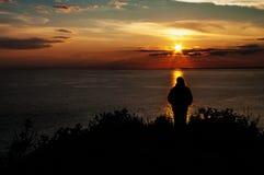 Observation du coucher du soleil Images libres de droits