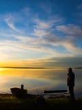 Observation du lever de soleil Photos stock
