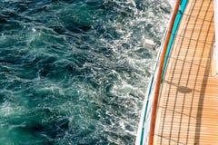 Observationsdäck på ett lyxigt kryssningskepp Royaltyfri Foto