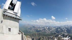 Observationspunkt pyrenees Frankrike för Pic du midi stock video