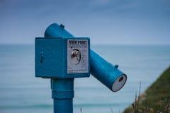 Observationsteleskop på brittisk kust Royaltyfri Bild