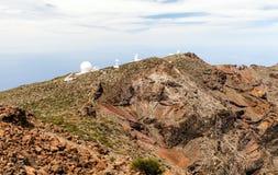 Observatorio, telescopio de la astronomía en montañas Foto de archivo