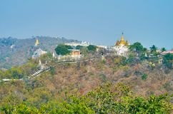 Observez la colline pittoresque de Sagaing photo libre de droits