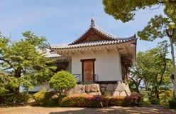 Observez la tour du château de Kawanoe, Shikokuchuo, Japon Photos stock
