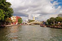 Observez sur Melaka et pont de voûte au-dessus de la rivière près de Jambatan vieux B Images libres de droits
