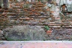 Obsoleted Stary ściana z cegieł zdjęcia stock