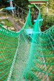 Obstáculo da rede do parque da corda imagem de stock royalty free