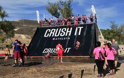 Obstáculo 2014 de la raza del fango de Muderrella Fotos de archivo