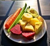 Obst und Gemüse benutzt für das Juicing Stockfotos