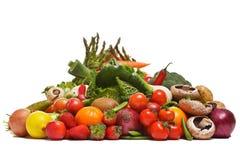 Obst und Gemüse getrennt auf Weiß Lizenzfreie Stockfotos