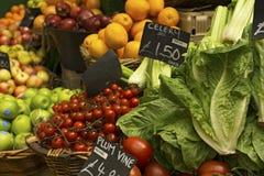 Obst und Gemüse am Markt Lizenzfreies Stockfoto