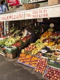 Obst-und Gemüsehändler, Prinzen Island von Buyukada, nahe Istanbul, die Türkei Stockbilder