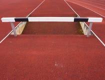 Obstacle élevé Ruelle courante de voie d'obstacle Obstacle en bois Photos libres de droits