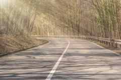 Obstakel in verkeer door licht en schaduw in de lage zon wordt veroorzaakt die stock afbeelding