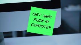 Obtenez à partir de mon ordinateur L'inscription sur l'autocollant sur le moniteur illustration libre de droits