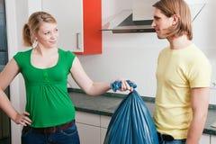 Obtenez les ordures à l'extérieur Image libre de droits