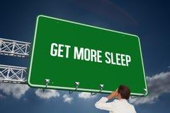 Obtenez plus de sommeil contre le ciel Photographie stock