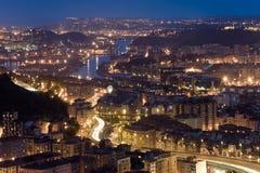 Obtention de l'obscurité dans le ria de Bilbao Images libres de droits