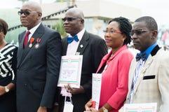 Obtention du diplôme et médailles d'honneur aux autorités image libre de droits