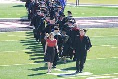 Obtention du diplôme d'université, université de l'Etat du nord-ouest de l'Oklahoma Photos libres de droits