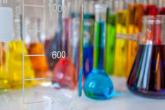 Obtentions du diplôme de chimie images libres de droits