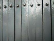 Obturador asado a la parrilla gris de la puerta Foto de archivo libre de regalías