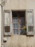 Obturador de la ventana en Riez imágenes de archivo libres de regalías
