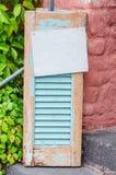 Obturador de madera viejo de la ventana imagen de archivo