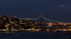 Obturador lento de East River, de 59th ponte da rua e de luzes da cidade Fotografia de Stock Royalty Free