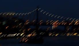 Obturador lento de East River, de 59th ponte da rua e de luzes da cidade Imagem de Stock